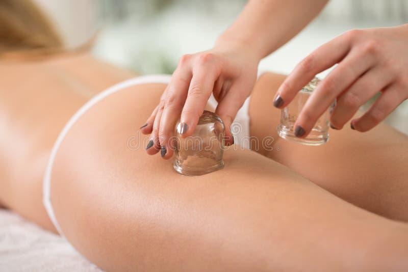 Anti-Cellulitetherapie stockfoto