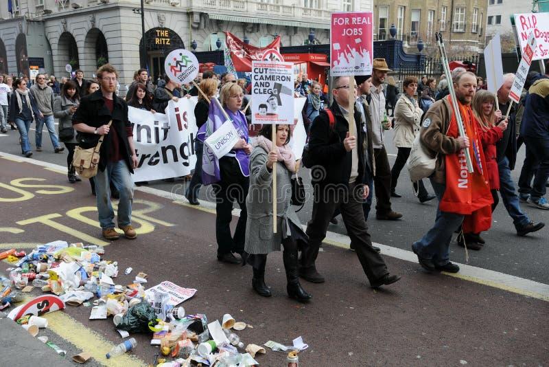 Anti-Cortam o protesto em Londres imagem de stock royalty free
