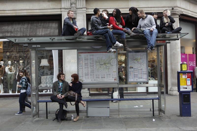 ANTI-CUTS PROTESTIERENDER IN LONDON stockbilder