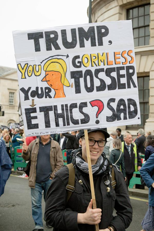 Anti Donald Trump Protesters à Londres centrale image stock