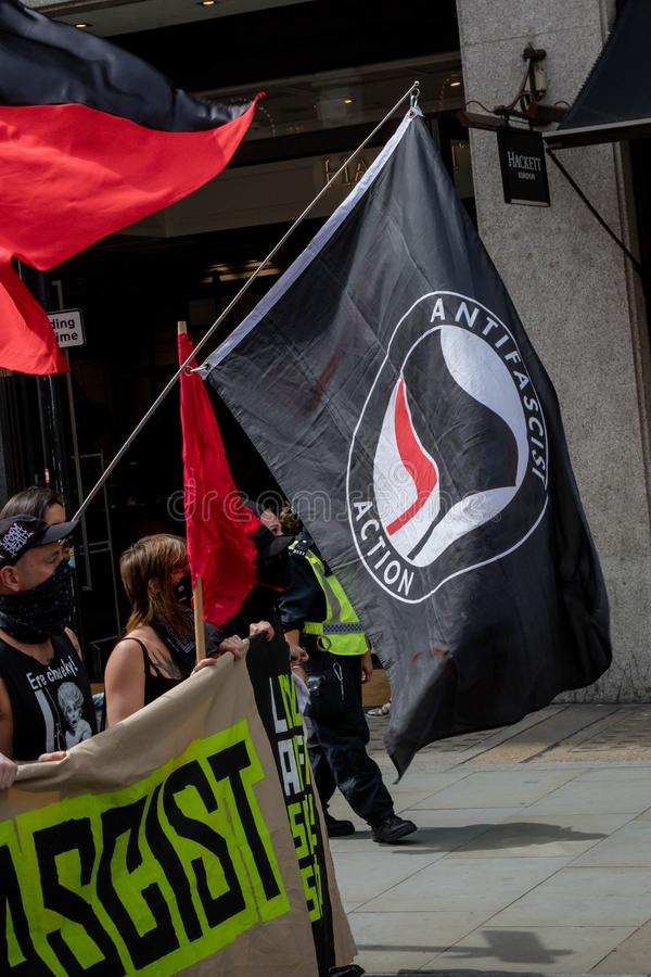 Anti-fascistiska protester i London arkivfoto