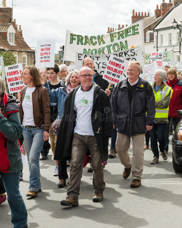 Anti--Fracking März - Malton - Ryedale - Nord-Yortkshire - Großbritannien stockbild