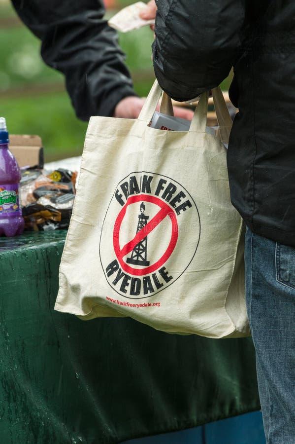 Anti--Fracking März - Malton - Ryedale - Nord-Yortkshire - Großbritannien lizenzfreie stockfotos