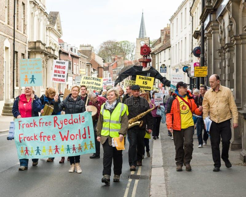 Anti-Fracking Maart - Malton - Ryedale - het Noorden Yortkshire - het UK royalty-vrije stock fotografie