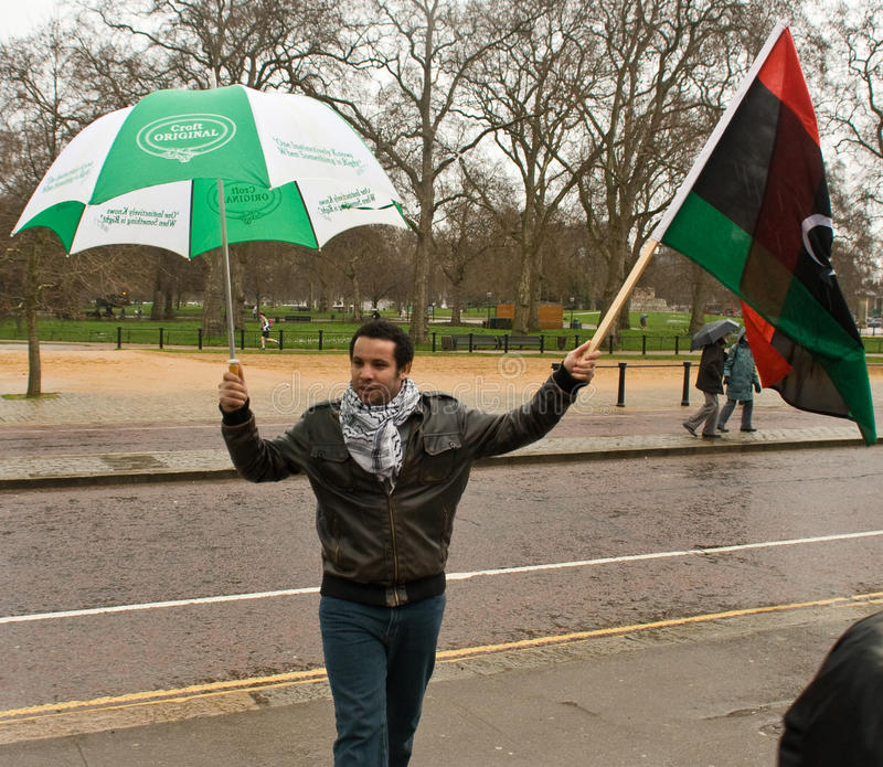 Anti-Gaddaffi demonstrador, Londres foto de stock royalty free