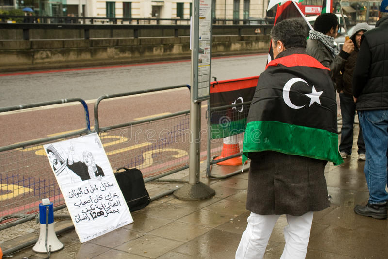 Anti-Gaddaffi demonstrador, Londres imagens de stock royalty free