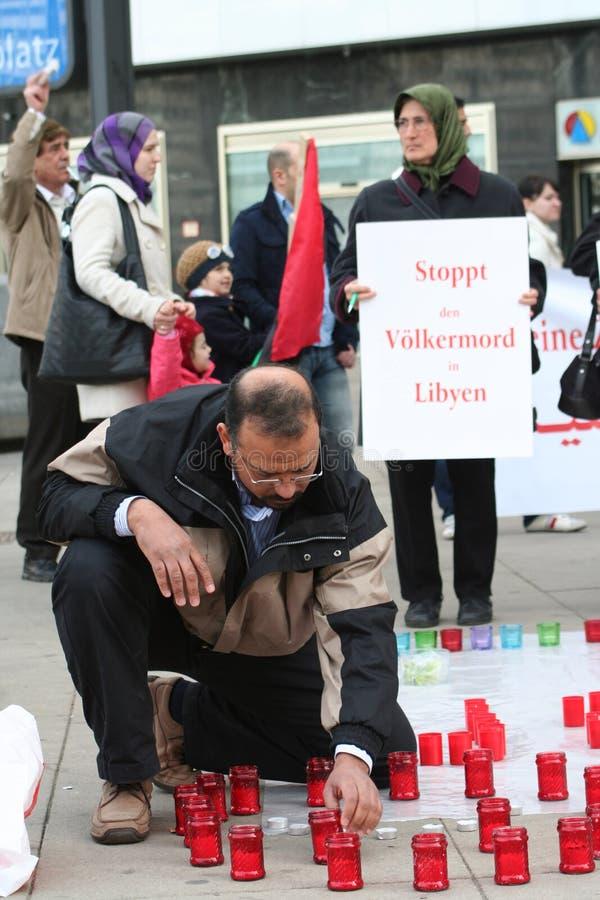 Anti-Gaddafi Protestierender stockbild