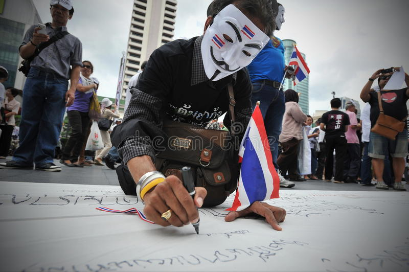 Download Anti-Government Protest In Bangkok Editorial Photography - Image: 32426087