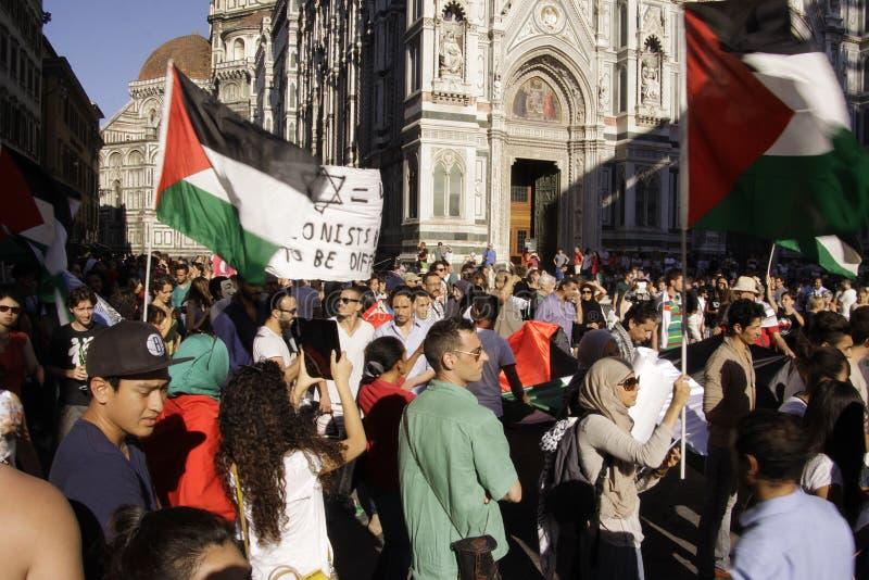 Anti-israelischer Protest, zum von Gaza-Militärschlag zu beenden lizenzfreies stockfoto