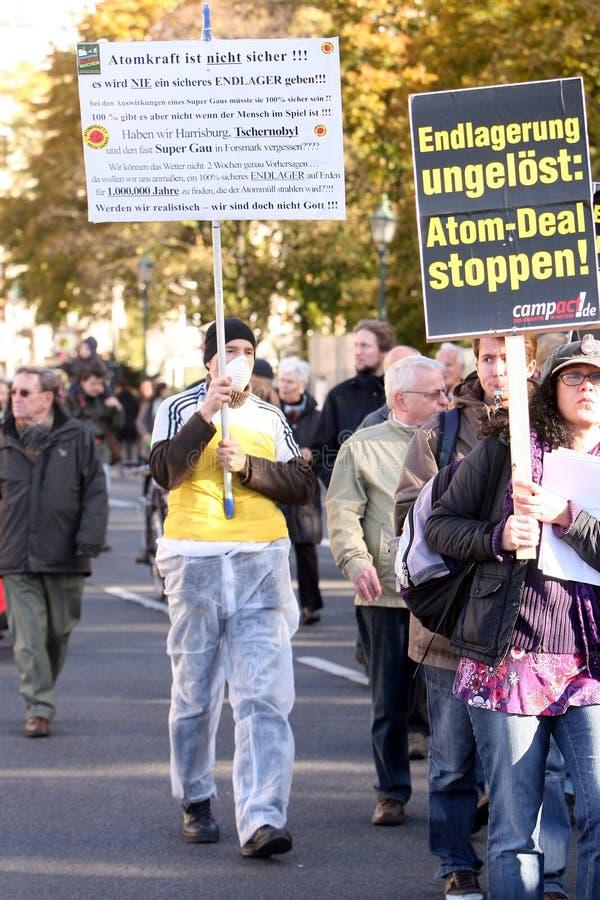 Anti kernafvalmanifestatie stock afbeelding