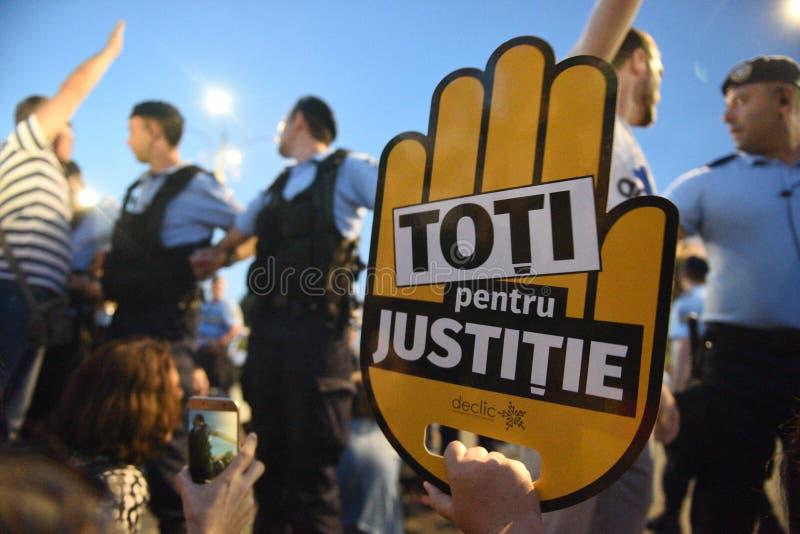 Anti protesta della corte della cima del ` s della Romania, Bucarest, Romania - 30 maggio 20 immagini stock