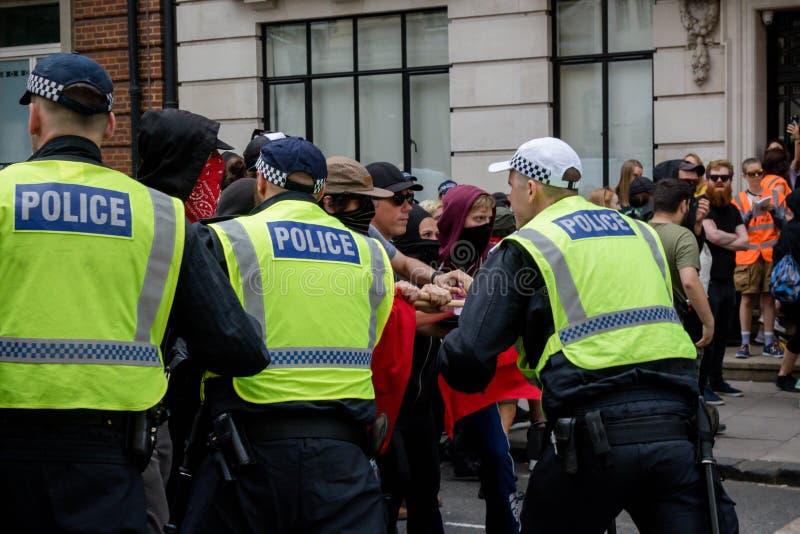 Anti protestations fascistes à Londres photographie stock