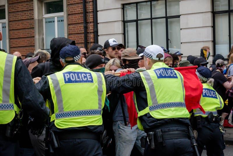 Anti protestations fascistes à Londres photos stock