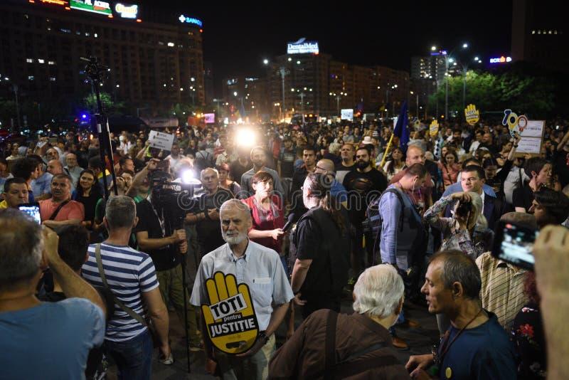Anti protesto da corte da parte superior do ` s de Romênia, Bucareste, Romênia - 30 de maio de 20 foto de stock royalty free