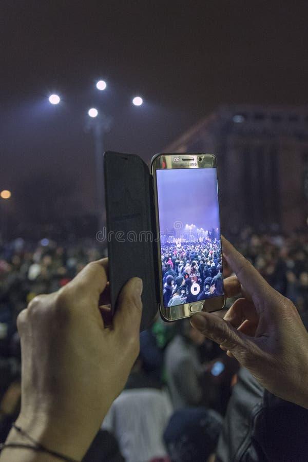 Anti protestos da corrupção em Bucareste o 22 de janeiro de 2017 imagem de stock royalty free