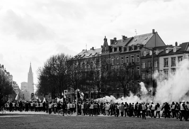 Anti--regering demonstrationer på stället de Bordeaux arkivfoton