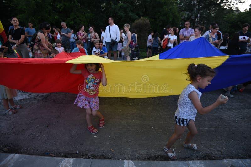 Anti--regering protest i Bucharest royaltyfri fotografi