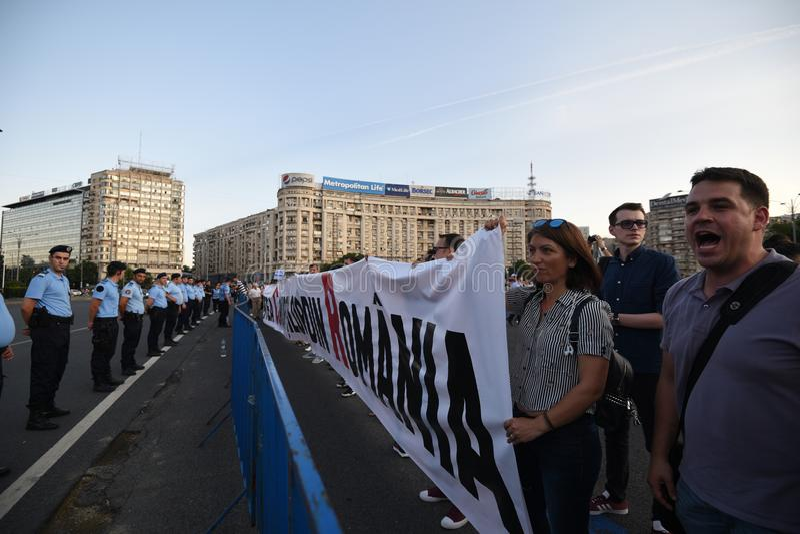 Anti--regering protest i Bucharest royaltyfria bilder