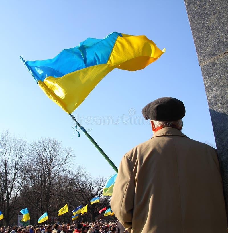 Anti reunião do separatismo e Taras Shevchenko honrar no 9 de março de 2014 Ucrânia, Kharkiv fotos de stock royalty free