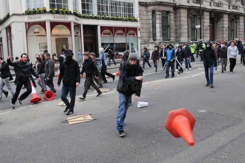 Anti-Schneiden Protest In London Redaktionelles Stockfoto