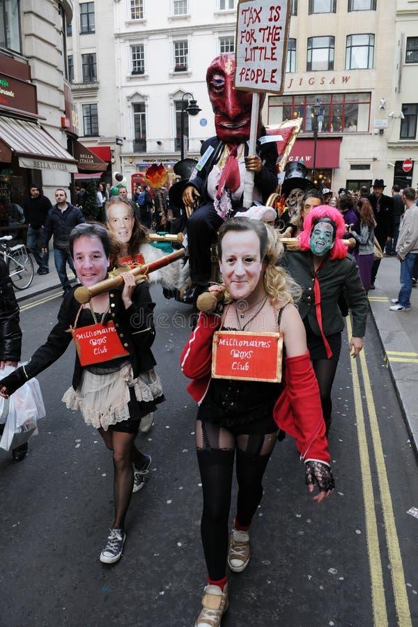 Anti-Tagliano la protesta a Londra fotografia stock libera da diritti