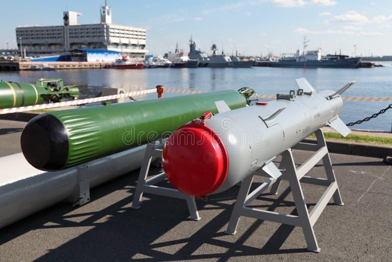 Anti-Torpedo und Gleitbombe stockbilder