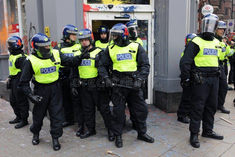 anti tumult för protest för snittlondon polis royaltyfri bild