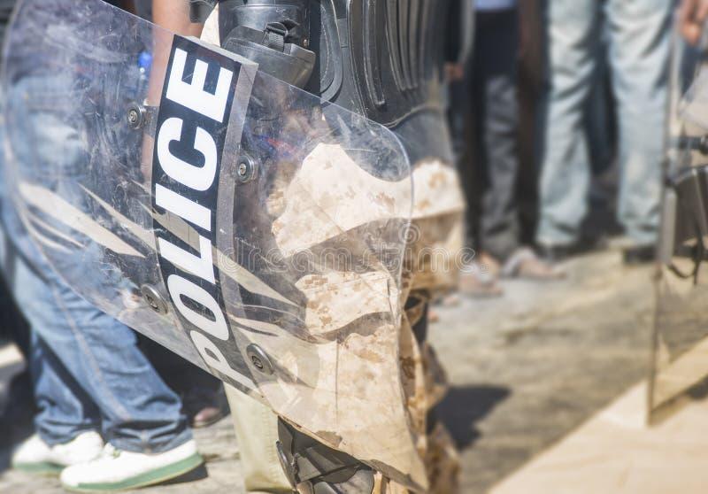 Anti--tumult polissköldar royaltyfria bilder