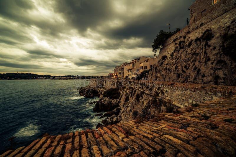 Antibes, Frankreich: Stadt in französischem Riviera zwischen Cannes und Nizza stockfotos
