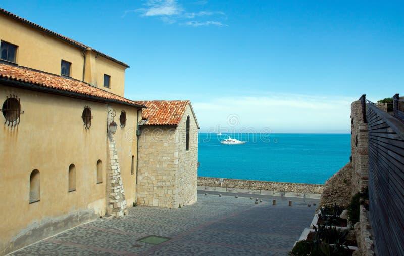 Antibes - mar Mediterraneo dalla vecchia città fotografie stock