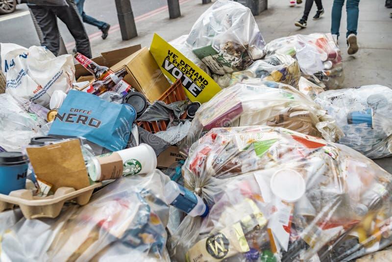Antibrexit-Teken in Vuilnis op de Straten van Londen stock foto