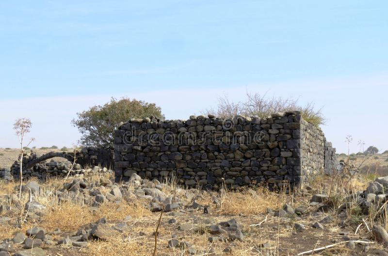 Antiche rovine del villaggio di Yehudiya, Golan Hights, Israele immagini stock
