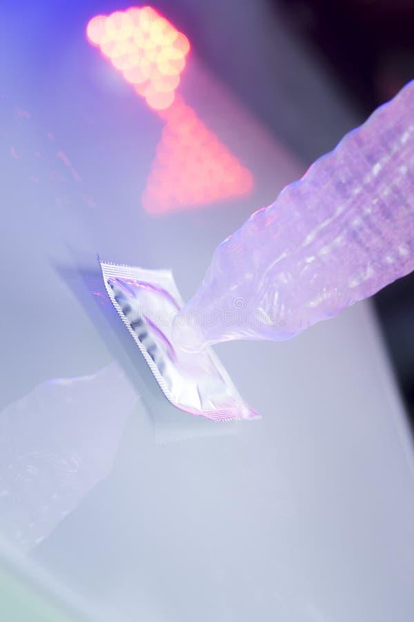 Anticoncezionale di gomma del preservativo fotografia stock libera da diritti