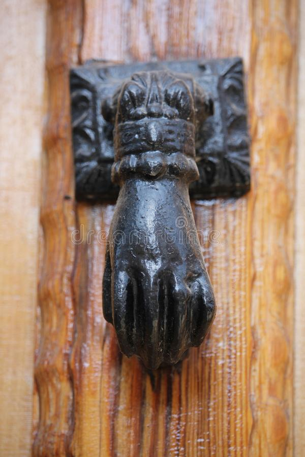 Antiek deurhandvat van Spanje royalty-vrije stock afbeelding