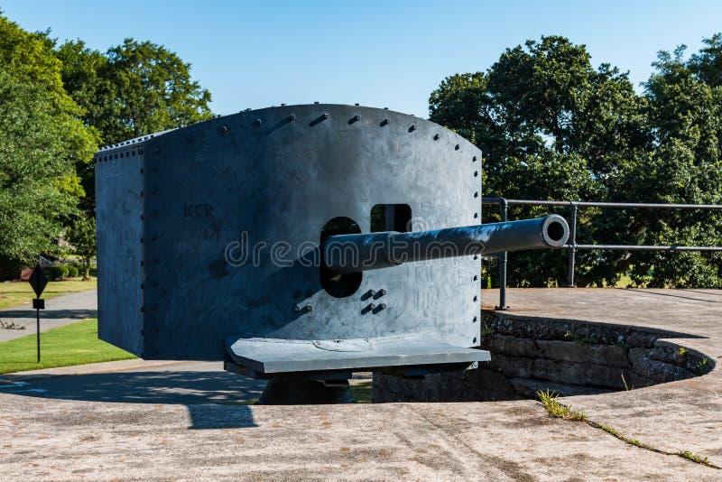 Antiek endicott-Era Snelle Brandkanon bij Fort Monroe stock fotografie