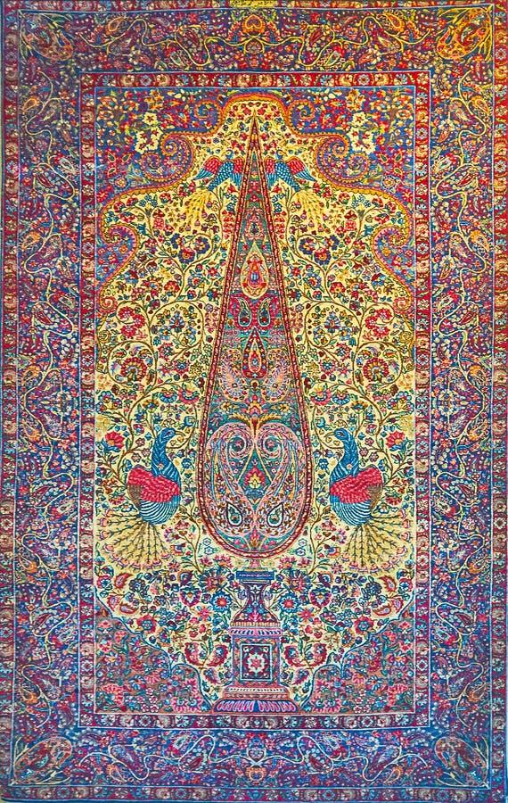 Antiek Perzisch tapijt met boom van het leven, Teheran, Iran stock afbeeldingen