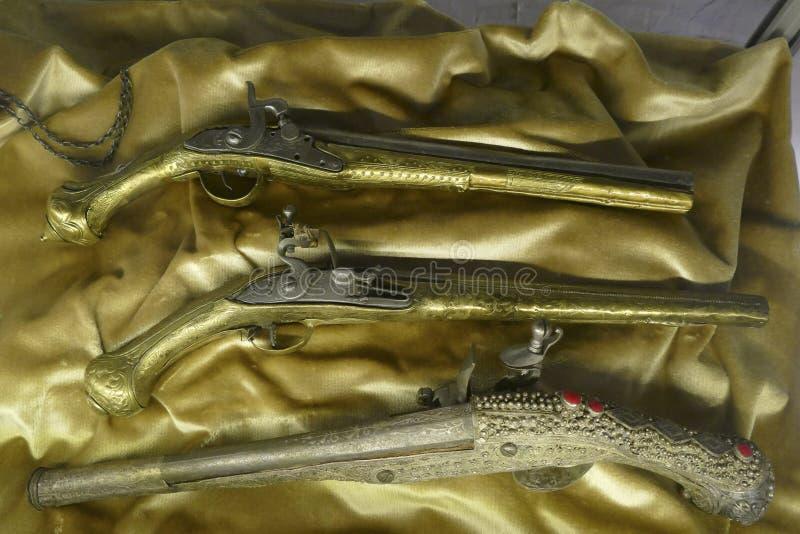 Antiek pistool dat in het Etnografische Museum wordt geplaatst royalty-vrije stock afbeeldingen