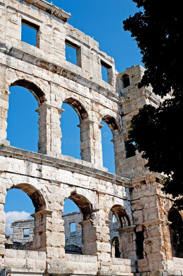 Antiek Roman forum in Pula stock foto's