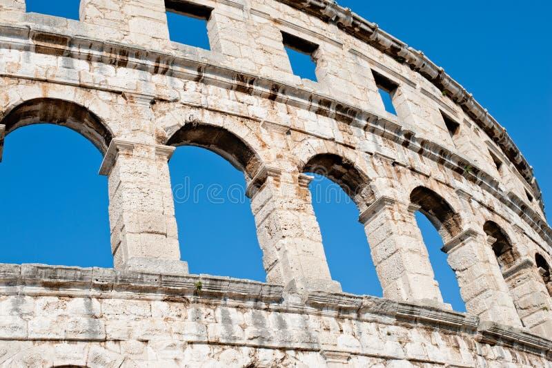Antiek Roman forum in Pula stock afbeeldingen