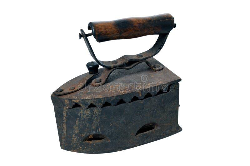 Antiek steenkoolijzer Oud roestig die ijzer op witte achtergrond wordt geïsoleerd royalty-vrije stock fotografie