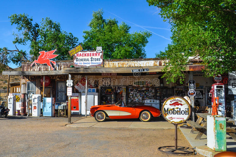 Antieke Algemene Opslag op Route 66 met Retro Uitstekende Pompen royalty-vrije stock afbeelding