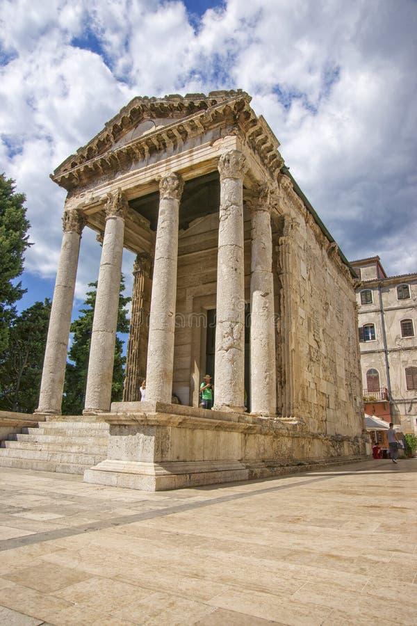 Antieke Augustus-tempel bij forum in Pula royalty-vrije stock foto
