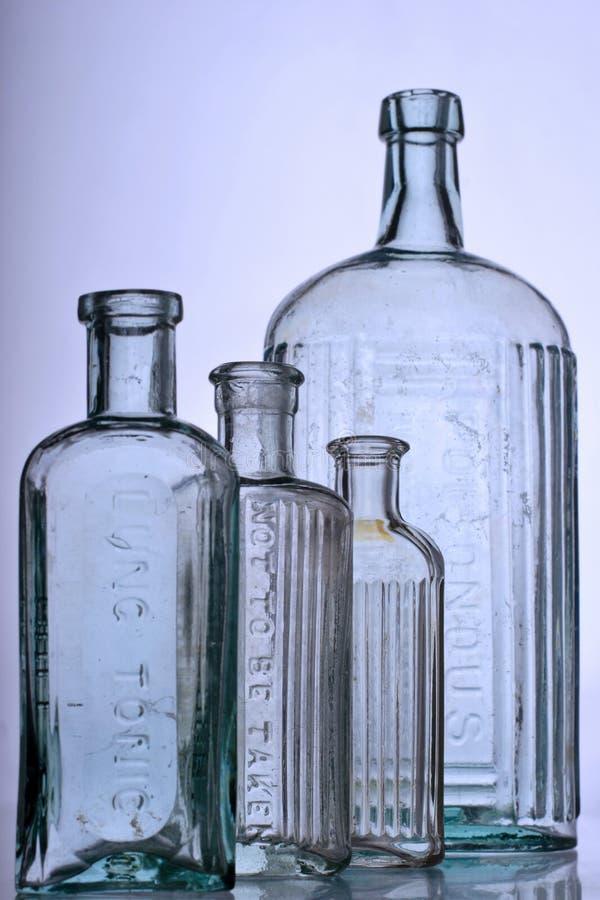 Antieke flessen stock afbeeldingen