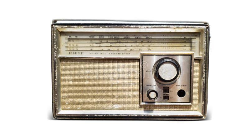 Antieke oude die radio op witte achtergrond wordt geïsoleerd royalty-vrije stock afbeeldingen