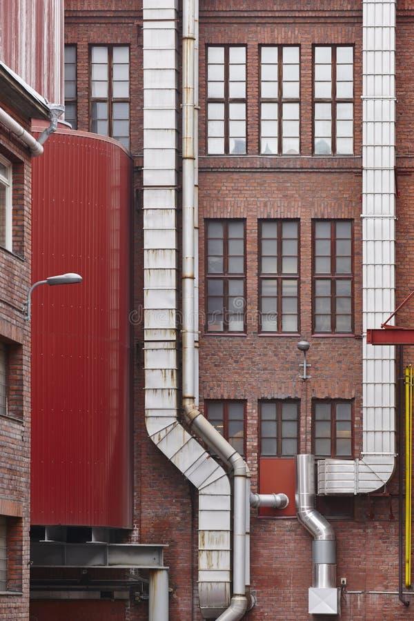 Antieke rode baksteenfabriek de bouwvoorgevel in Tampere finland royalty-vrije stock foto