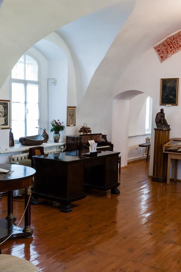 Antieke ruimte met antiek meubilair royalty-vrije stock foto