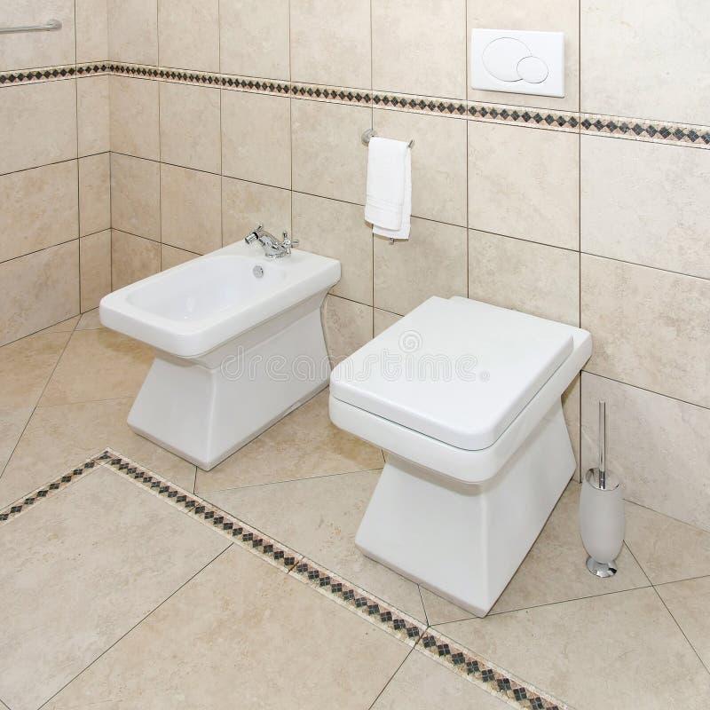 Antieke wc stock afbeeldingen afbeelding 8196604 - Wc a l oud ...