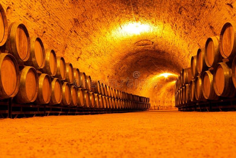 Antieke Wijnkelder stock afbeeldingen
