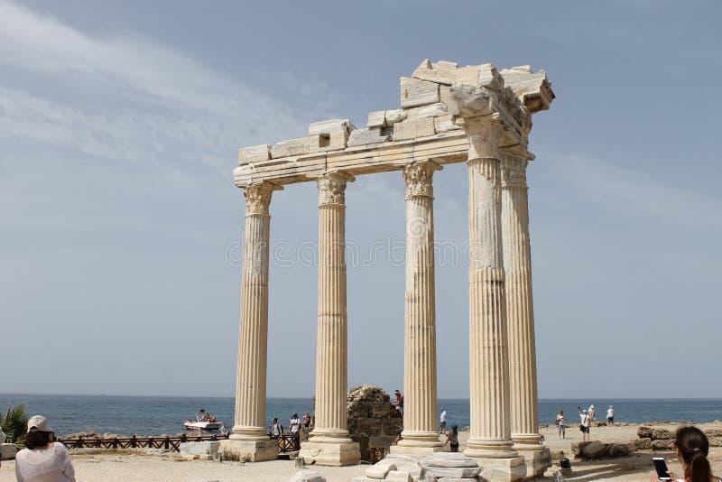 A antiga cidade grega do lado da Turquia Localizado na costa sul-oeste do Mediterrâneo de Antalya fotografia de stock