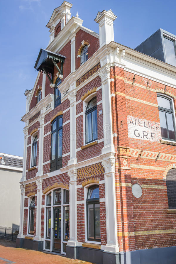 Antiga fábrica que constrói no centro de Winschoten imagens de stock royalty free